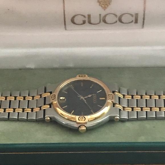 Гуччи стоимость часы чайка продам женские часы